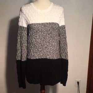Like new condition sweater